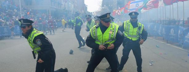 La policía de Boston tras las explosiones/ lainformacion.com