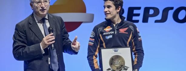 Antonio Brufau junto a Marc Márquez