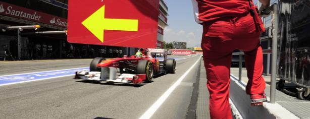 Felipe Massa entrando en boxes