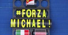 Cartel de ánimo de Ferrari a Michael Schumacher