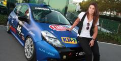 Laia Sanz con el Renault Clio con el que competirá