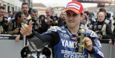 Jorge Lorenzo celebra su pole en Motorland/ Yamaha