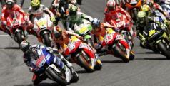 Pilotos de MotoGP durante el inicio de una carrera/ lainformacion.com/ EFE
