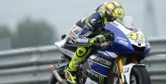 Valentino Rossi se impone en Assen