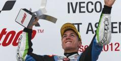 Maverick Viñales en el podio de Assen