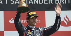 Mark Webber en el podio de Silverstone/ lainformacion.com